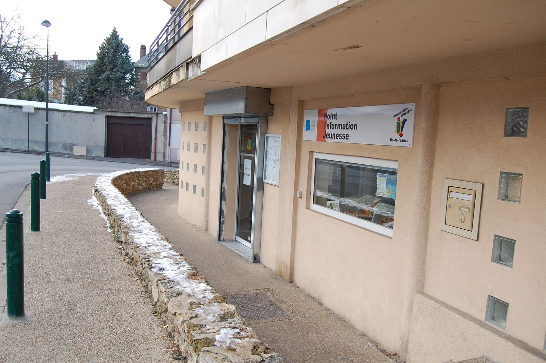 Le bureau information jeunesse ville de torcy